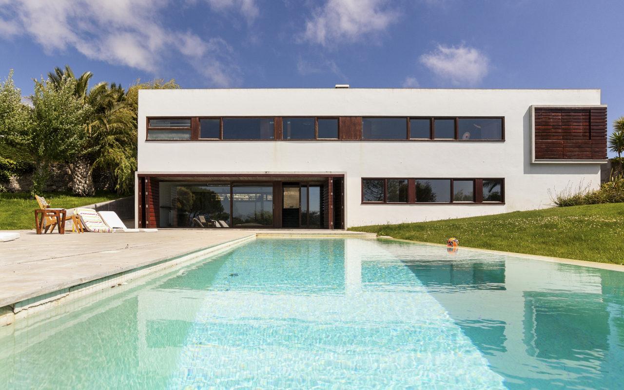 Azoia pool